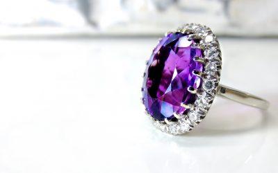 Avaliação de jóias com especialista Christie's